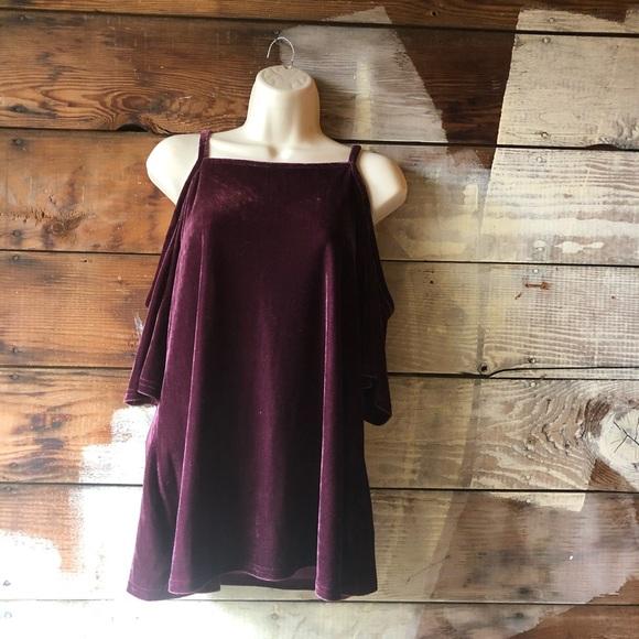 Ultra Flirt Tops - 3/$25 Ultra Flirt Size XL NWT Velvet Open Shoulder